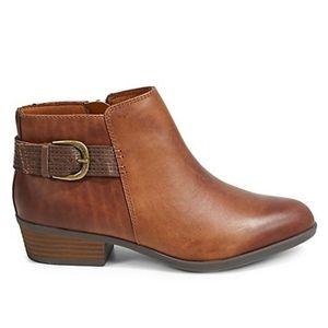 Clarks Addiy Kara Leather Booties